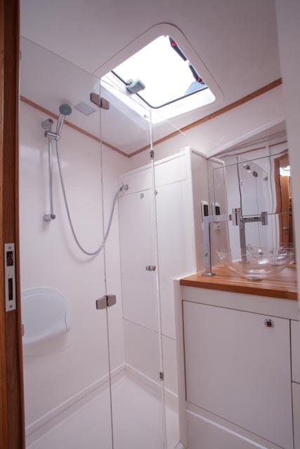 Banheiro c/ Box Suíte de Proa